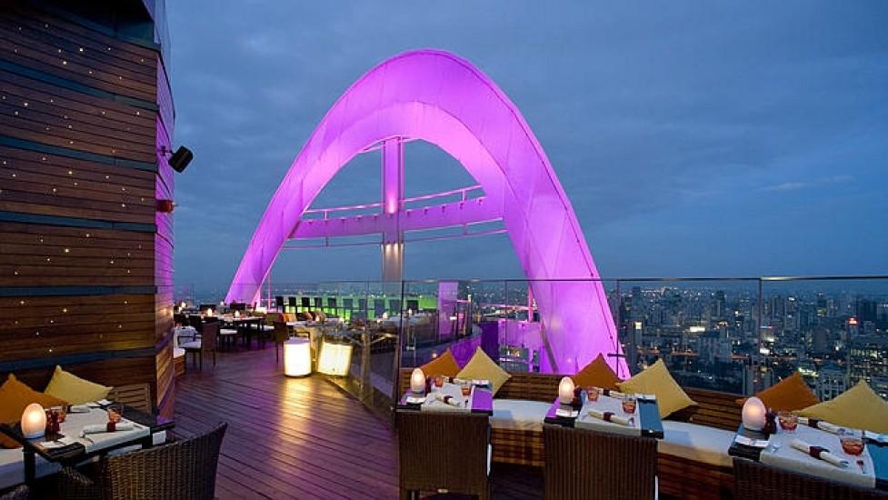 red_sky_bar_bangkok-03-8a739e38c6e82613f35dc98d1cc425d6 (1)