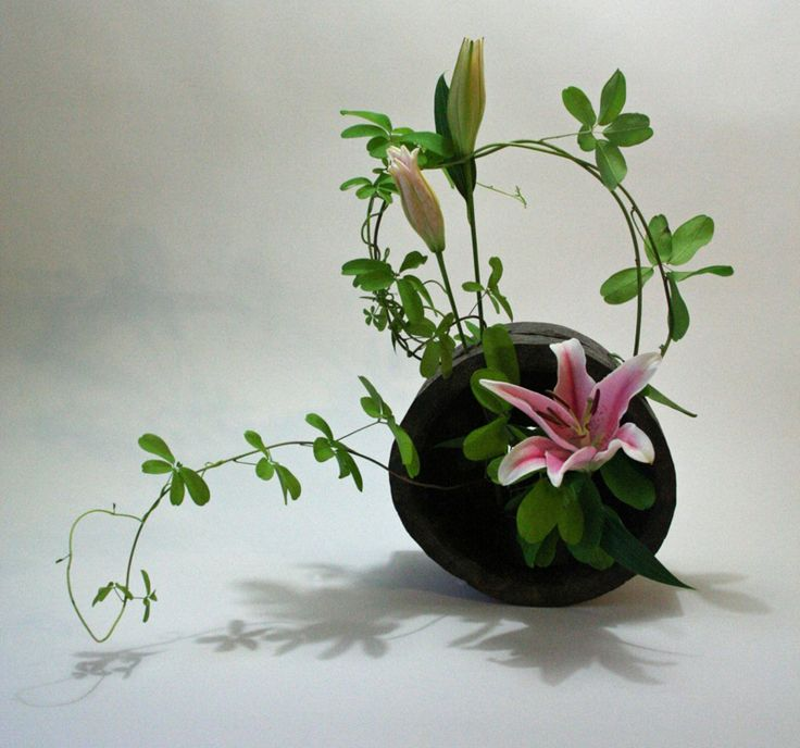 ikebana art of flower arrangement japanese culture traditions japanese culture facts