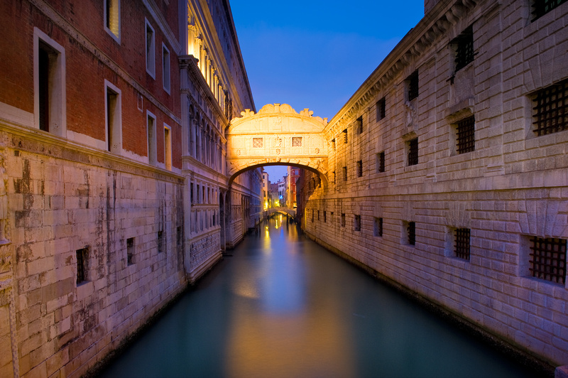 Ponte Dei Sospiri Venezia The Bridge Of Sighs And The