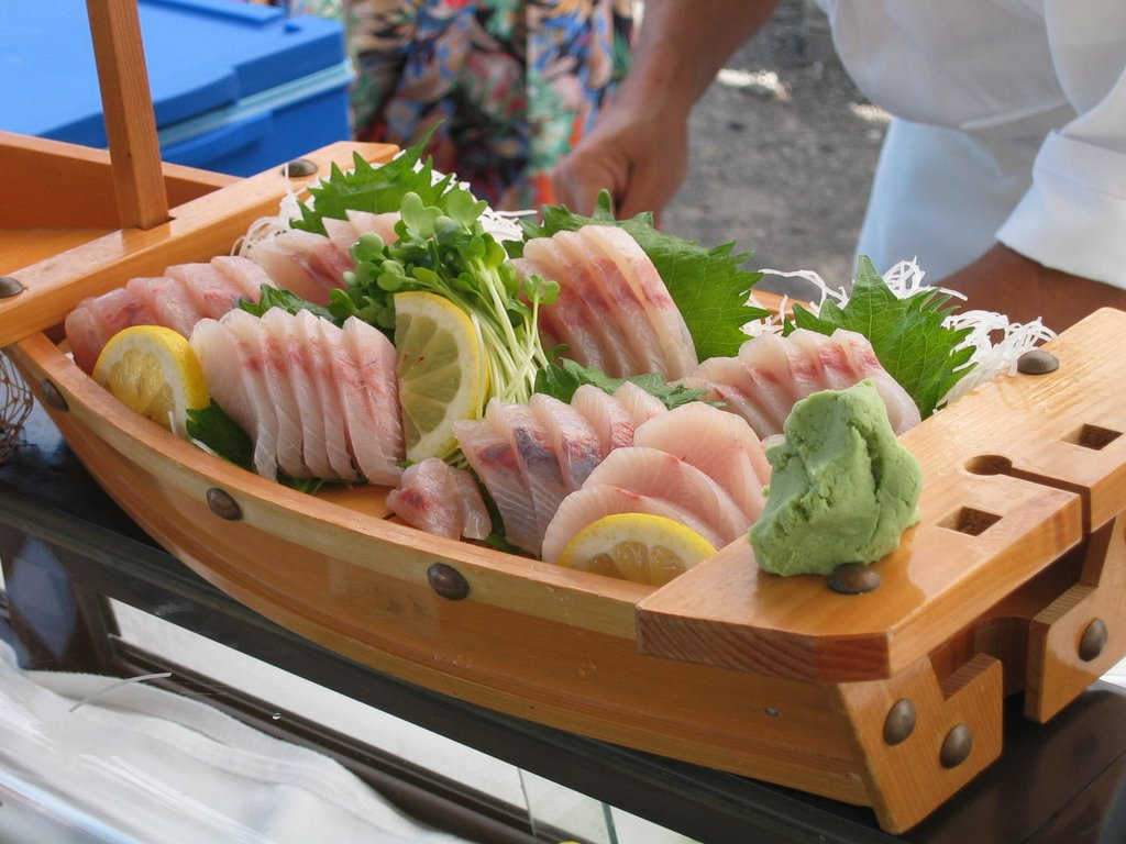 how to eat sashimi japanese (1)
