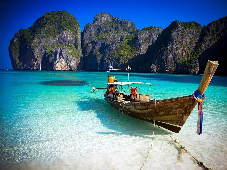 Maya in Ko Phi Phi top beaches in phuket best beaches in phuket best beach in phuket for couples