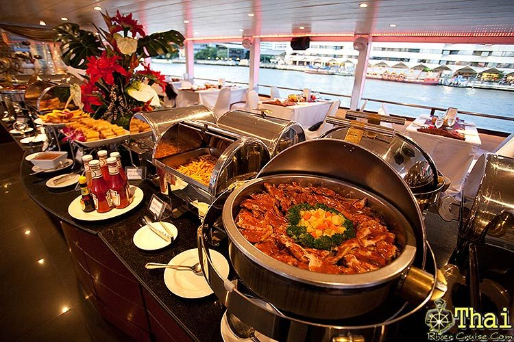 Enjoy dinner on the cruise – best thing to do when travelling to Bangkok (11)