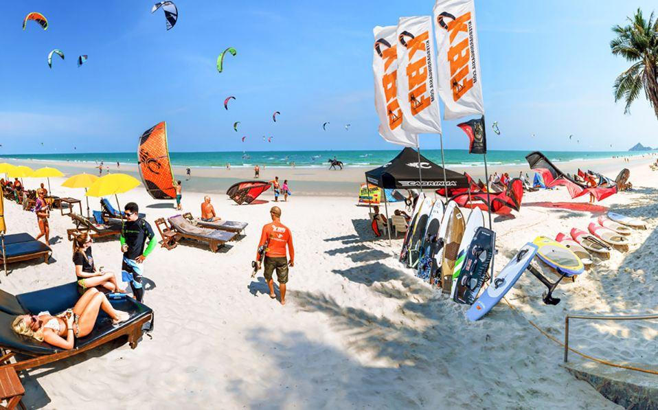 Nai-Yang-beach kitesurfing