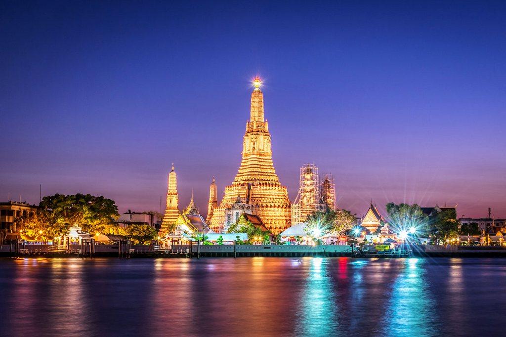 wat arun temple-bangkok