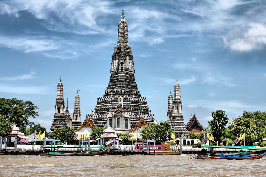wat arun temple-bangkok1