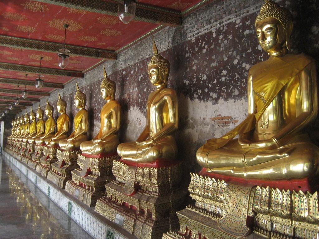Bangkok, Wat Suthat best temples in bangkok famous temple in bangkok