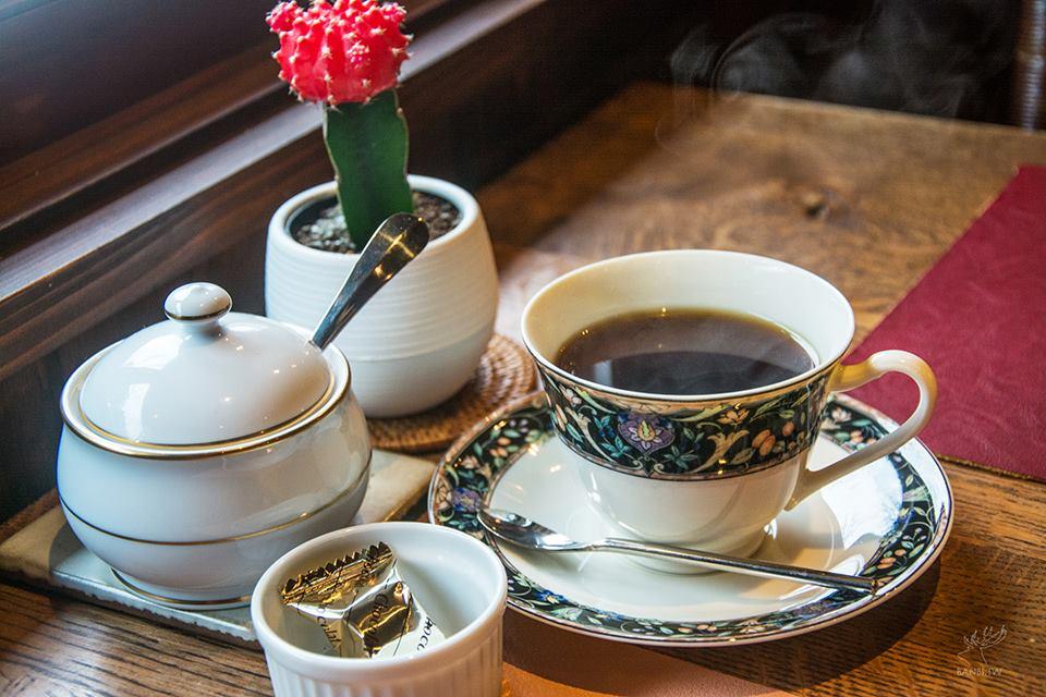 Coffee Shop Hina