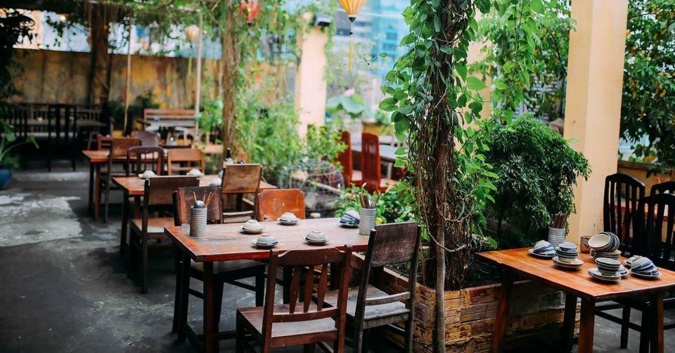 Secret-garden restaurant (1)