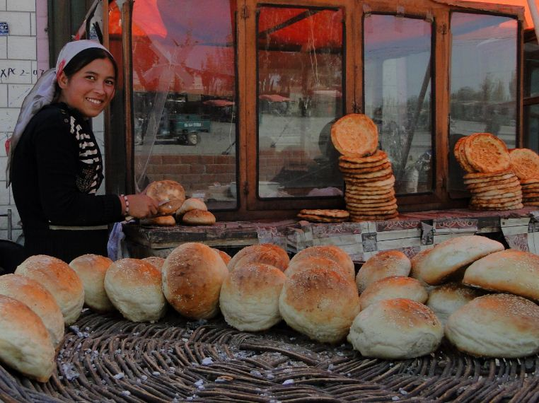 fresh bread Photo by: xinjiang travel itinerary blog.