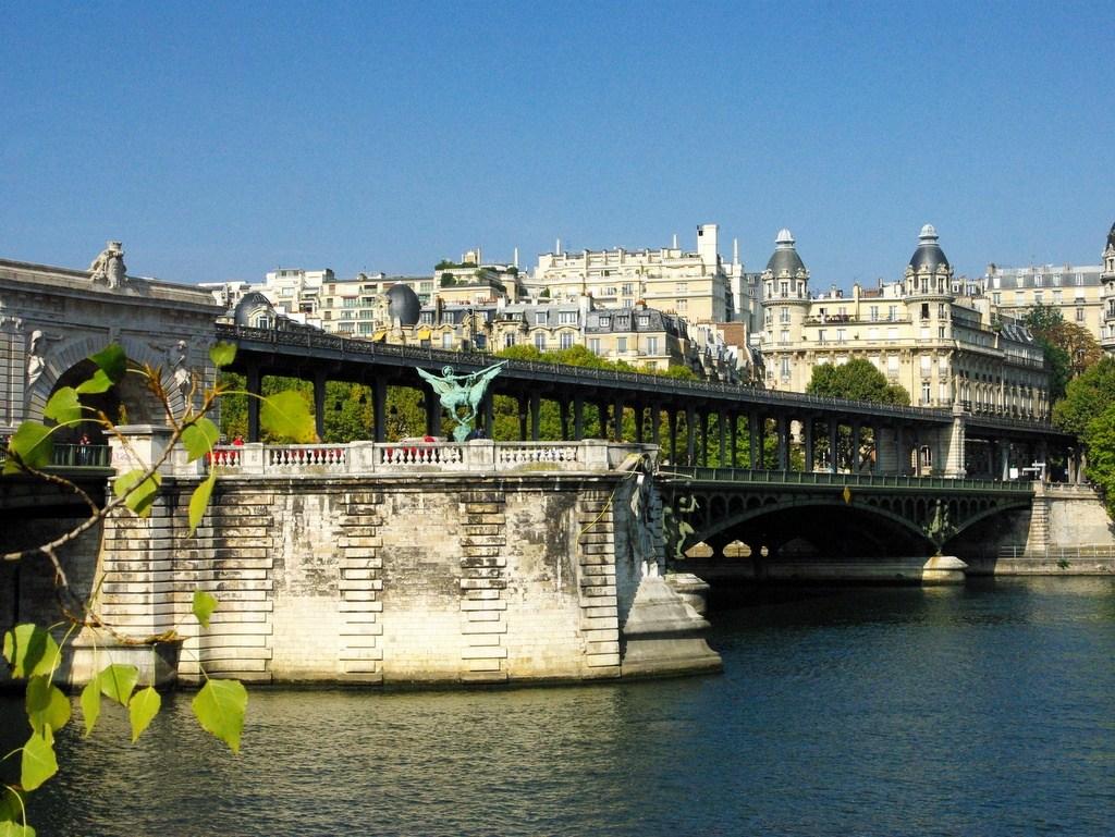 Pont de Bir-Hakeim3 famous bridges in paris history of bridges in paris padlock bridge paris