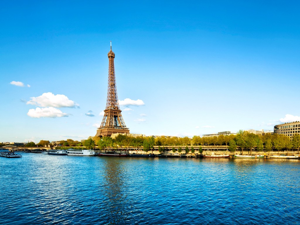 Travel Tips for Viewing Architectural Structures in France ... |River Seine Paris
