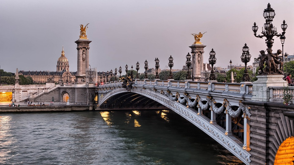 Seine-River-Bridge-Photo (1)
