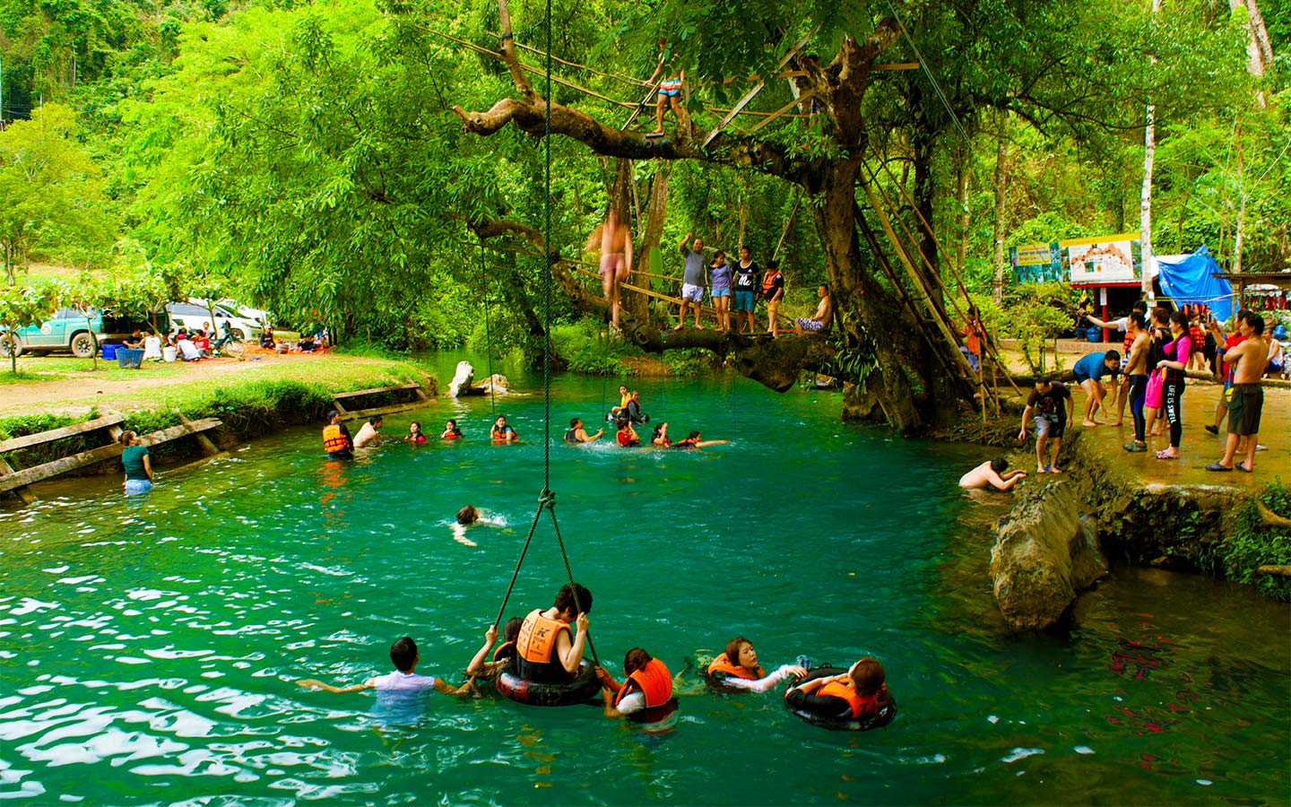 Vang Vieng Travel Blog Care Free Like Tarzan In Vang