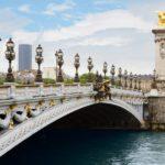 Visiting Paris to hear the most famous bridges in Paris tell stories