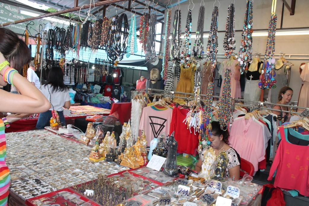 phuket-weekend-market-13