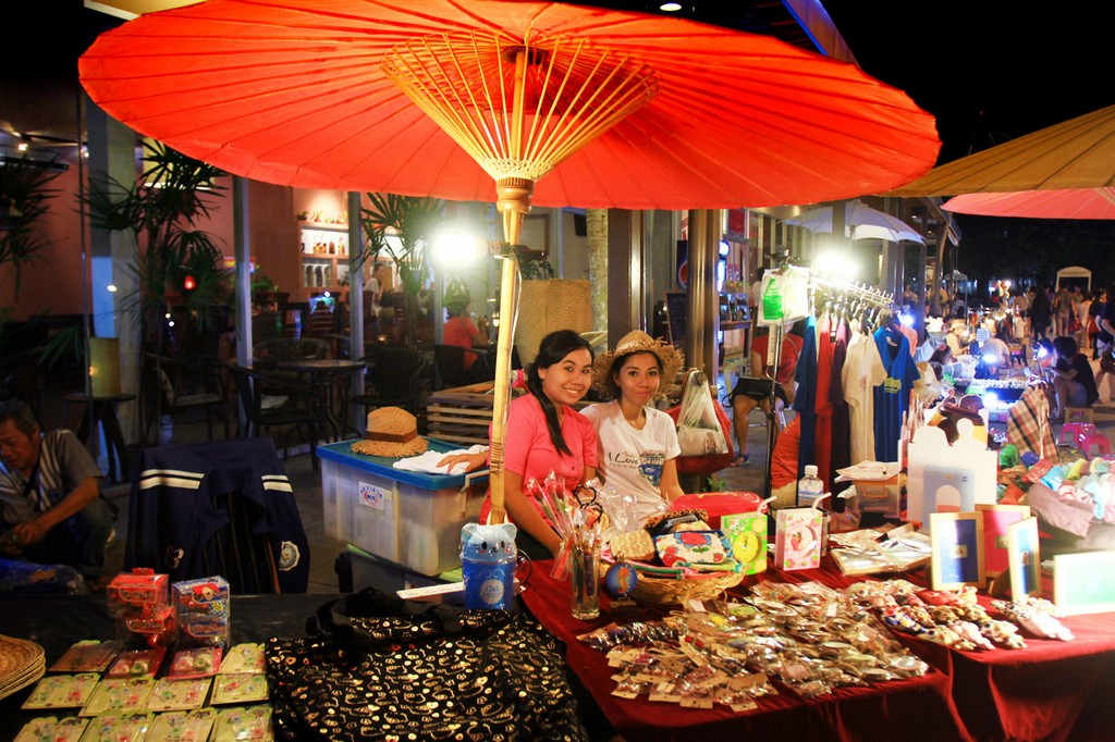 phuket-weekend-market-6