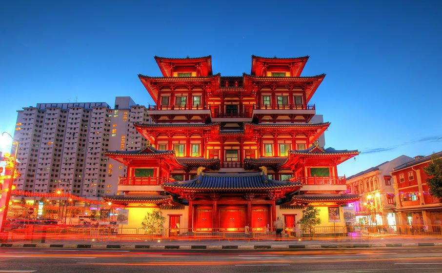 singapore-buddhas-relic-tooth-temple-chinatown