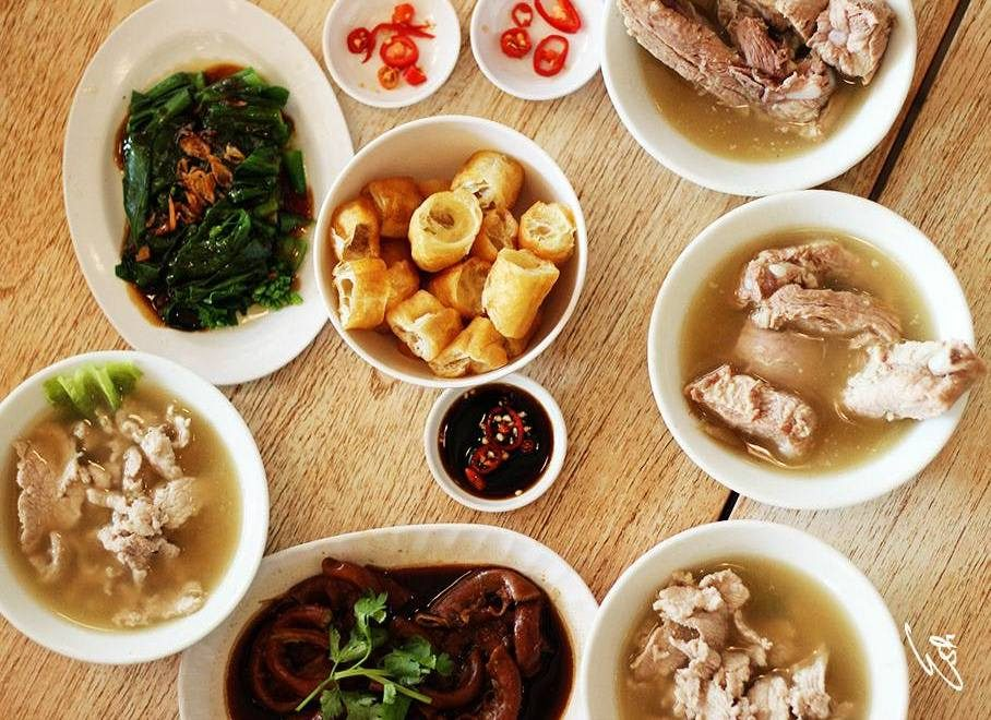 a traditional meal in myanmar