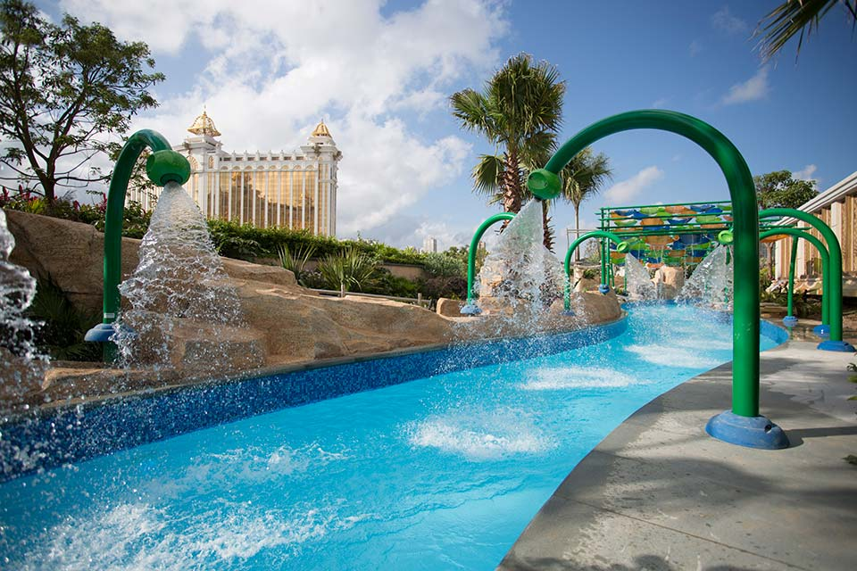 Grand Resort Deck