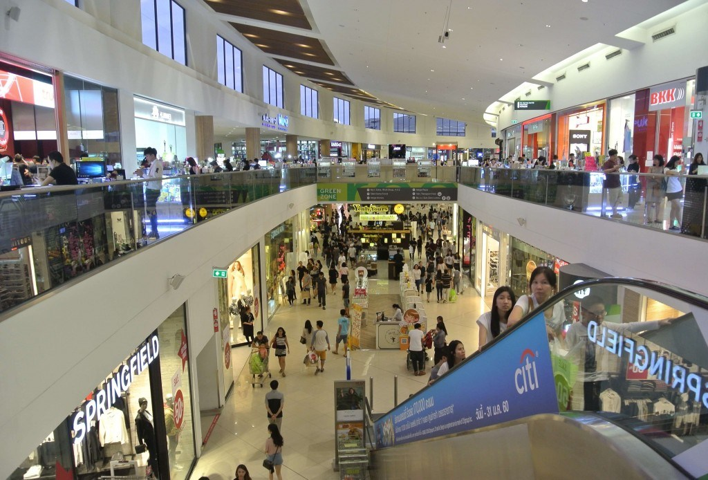 Mega-Bangna-shopping-16