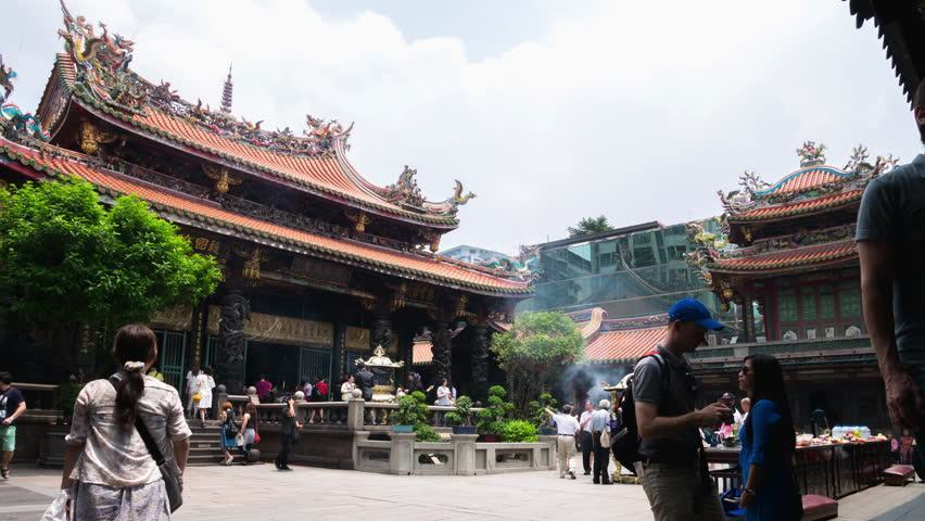 Lungshan temple1 Picture: 6 day itinerary taiwan blog.