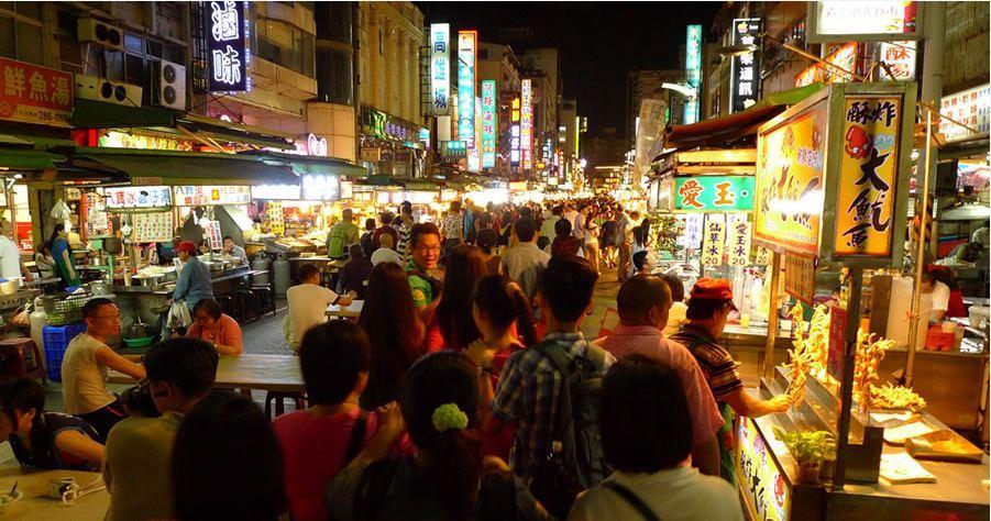 ruifeng-night-market-in-taiwan