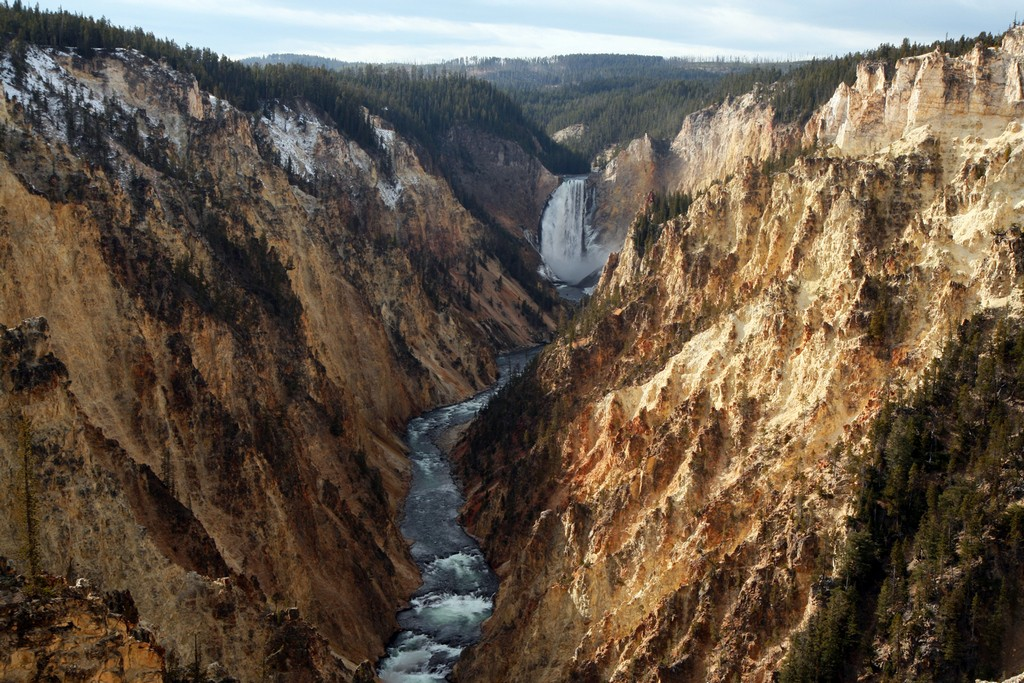 Visit Yellowstone - the first national forest in the world16