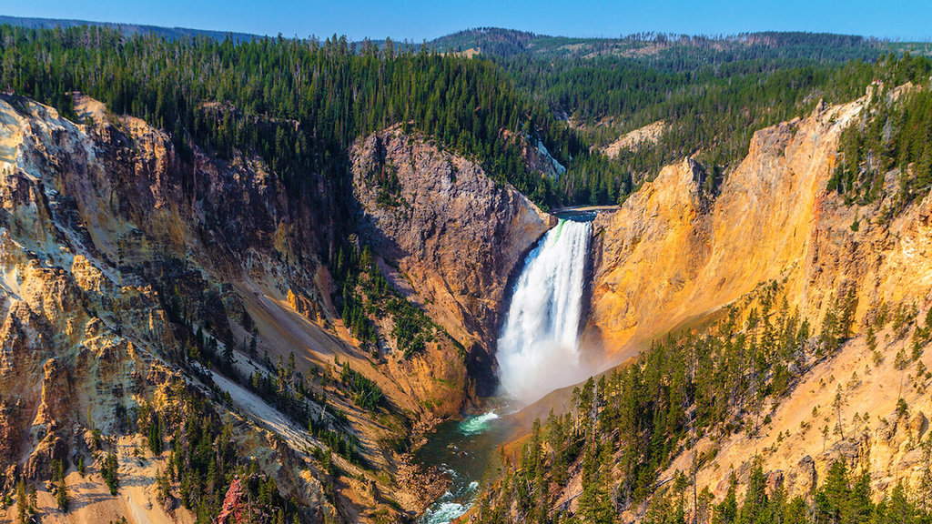 Visit Yellowstone - the first national forest in the world5
