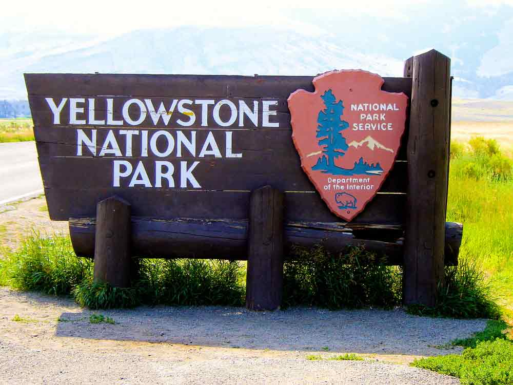 Visit Yellowstone - the first national forest in the world7