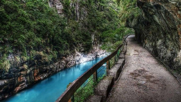 Taroko National Park1 Image by: Hualien travel guide blog.