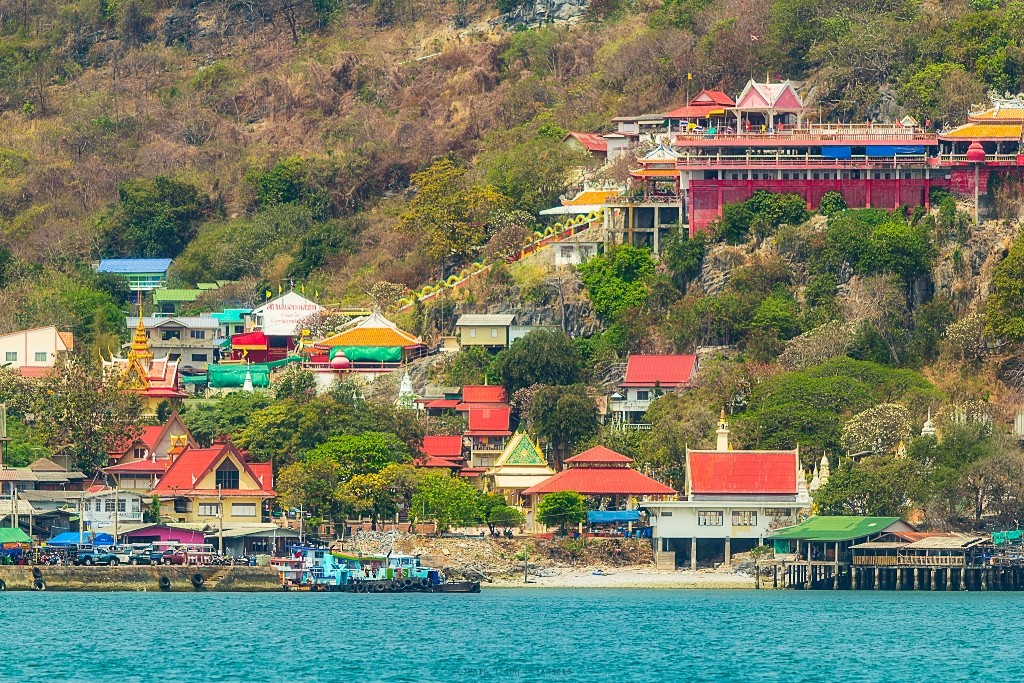 Koh Si Chang best islands near bangkok beautiful islands near bangkok islands near bangkok for honeymoon