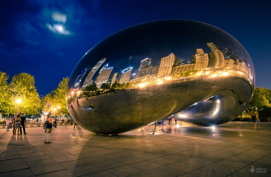The Cloud Gate Chicago at night