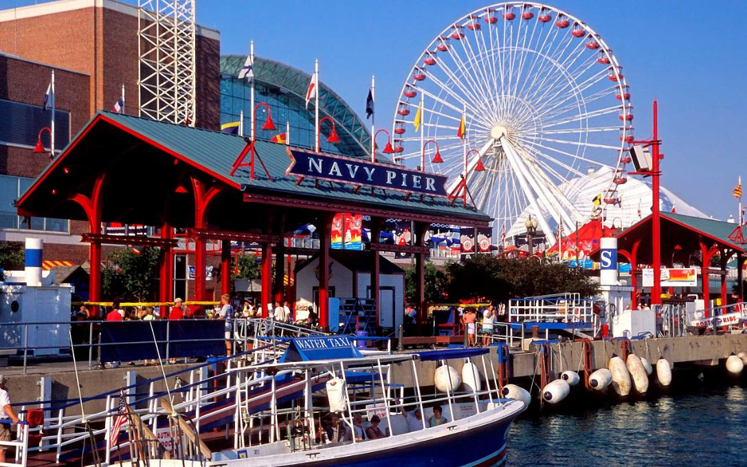 navy pier chicago Image by: chicago travel blog.