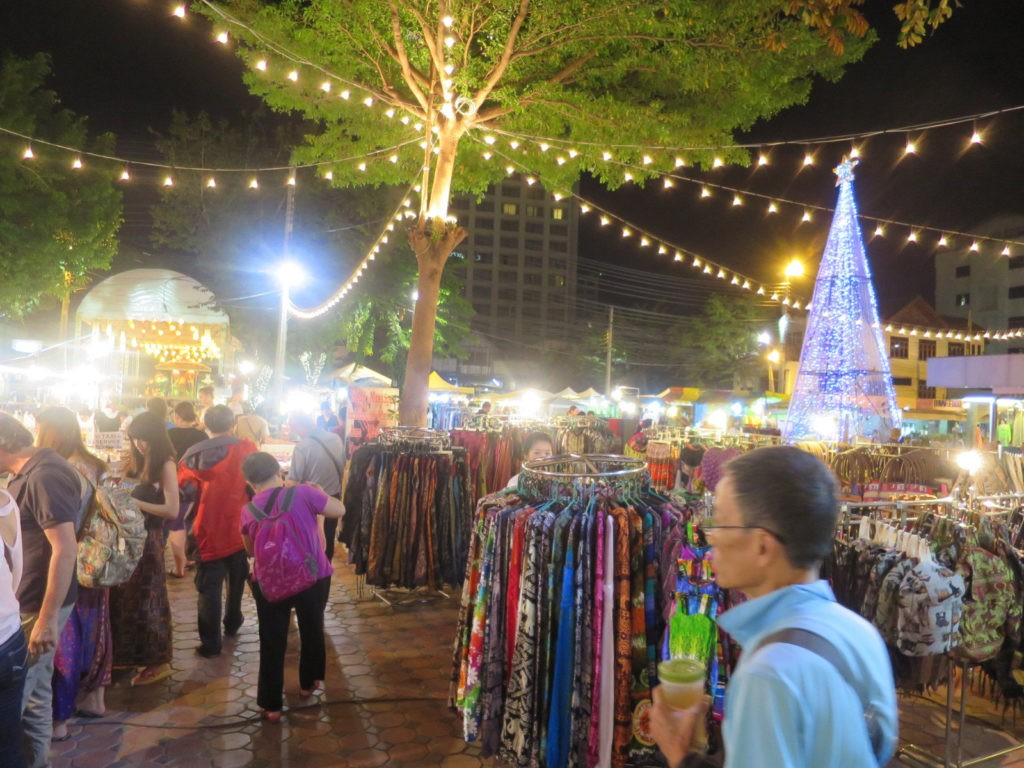 Night Bazaar area of chiangmai Image by: top places to stay in chiang mai blog.