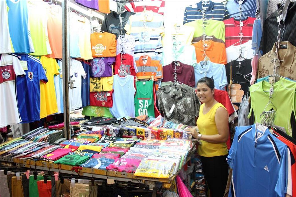 Ben Thanh Market 5