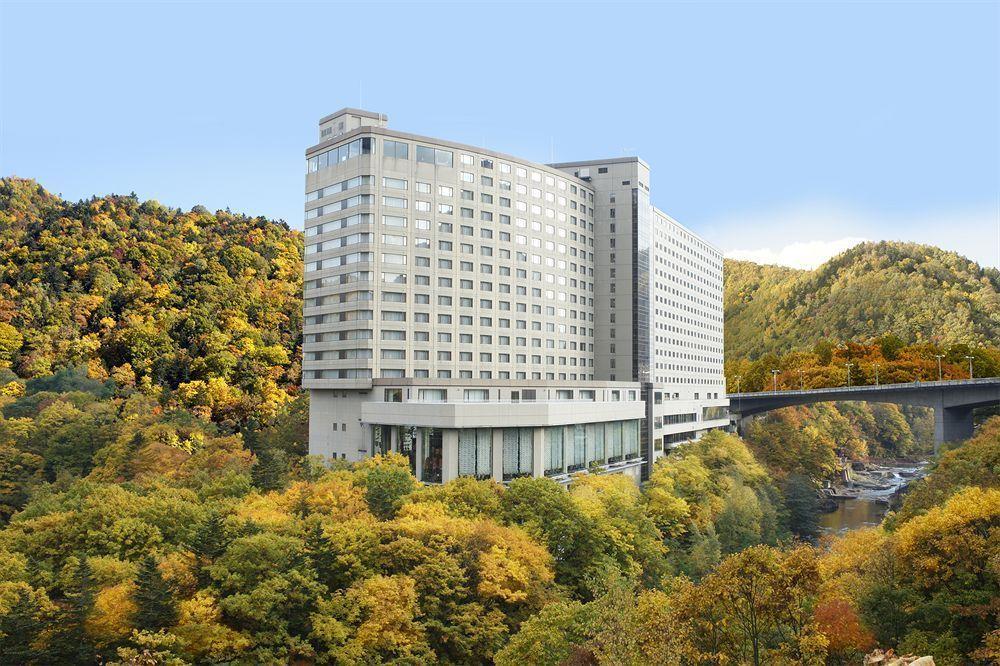 Jozankei View Hotel-hokkaido hokkaido travel blog hokkaido travel guide best places to visit in Hokkaido best places to eat in Hokkaido