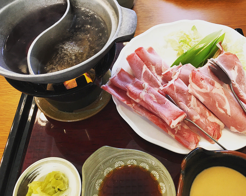 Nikka Kaikan Taru restaurant-hokkaido2 hokkaido travel blog hokkaido travel guide best places to visit in Hokkaido best places to eat in Hokkaido
