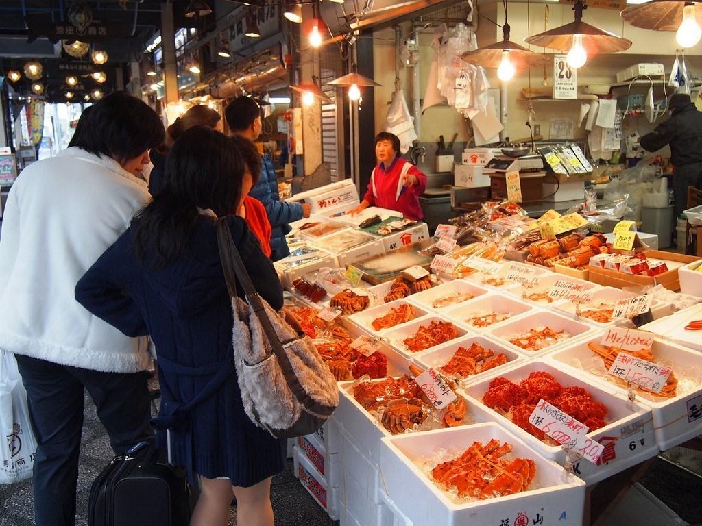 morning market-hokkaido Image by: hokkaido travel blog.