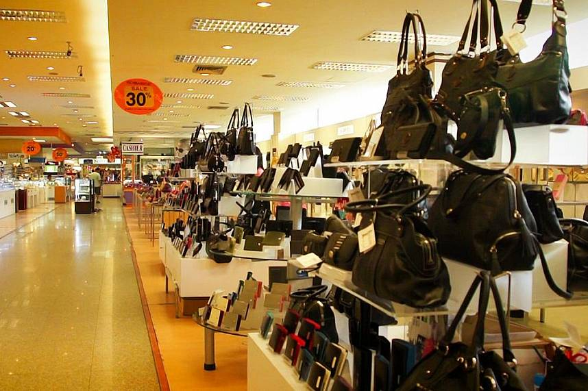 mike shopping pattaya thailand