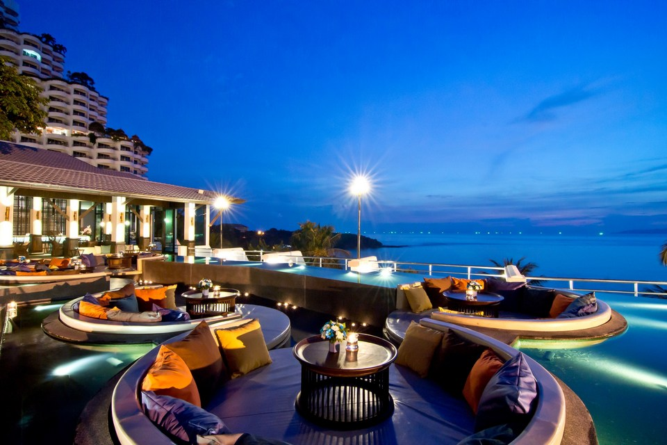 Royal-Wing-suites-top-10-Best-hotels-in-Pattaya