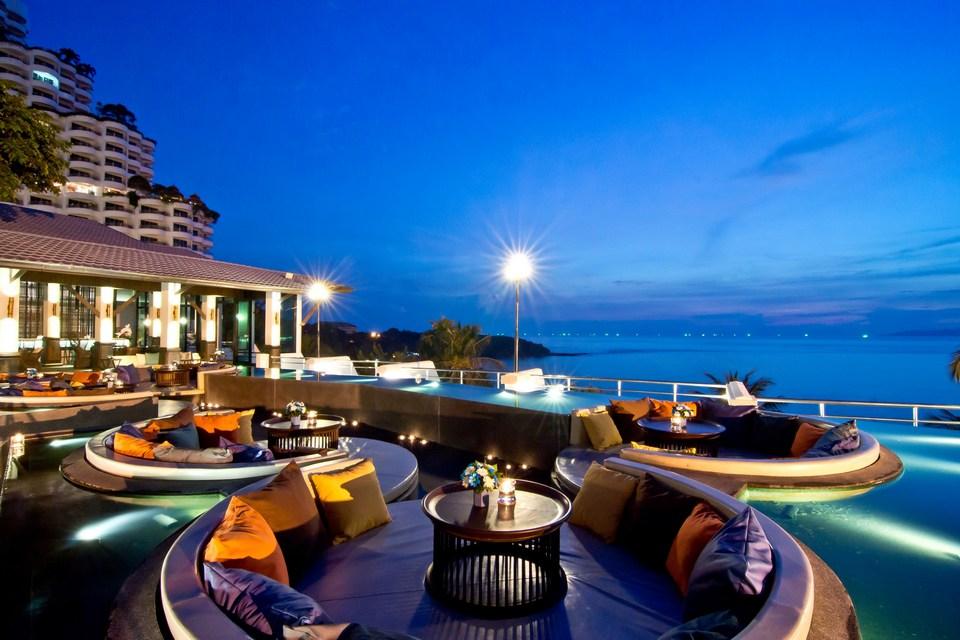 Royal-Wing-suites-top-10-Best-hotels-in-Pattaya