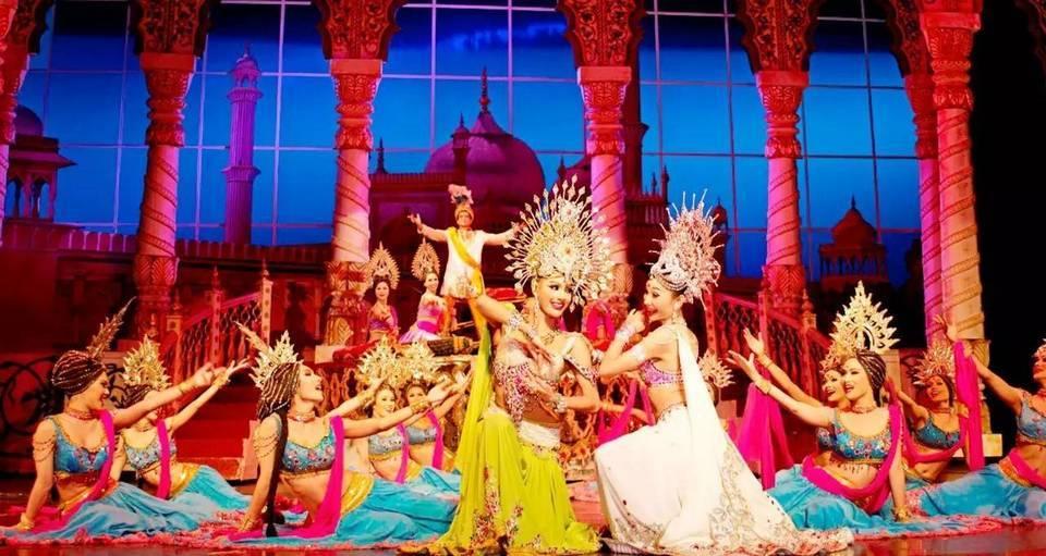 Show Cabaret-pattaya-thailand1