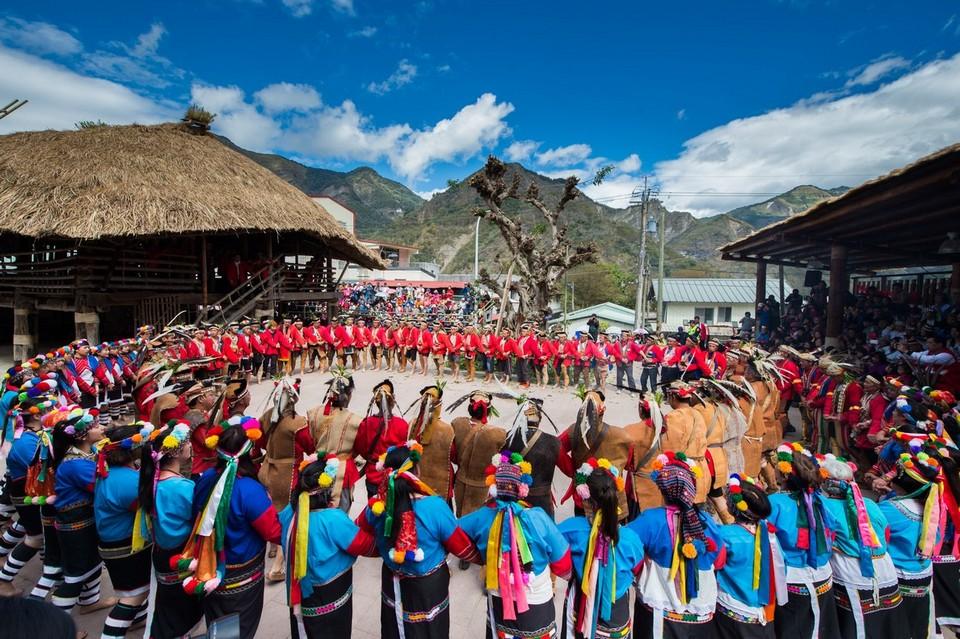 performance-cultural-village-alishan-plateau-taiwan17