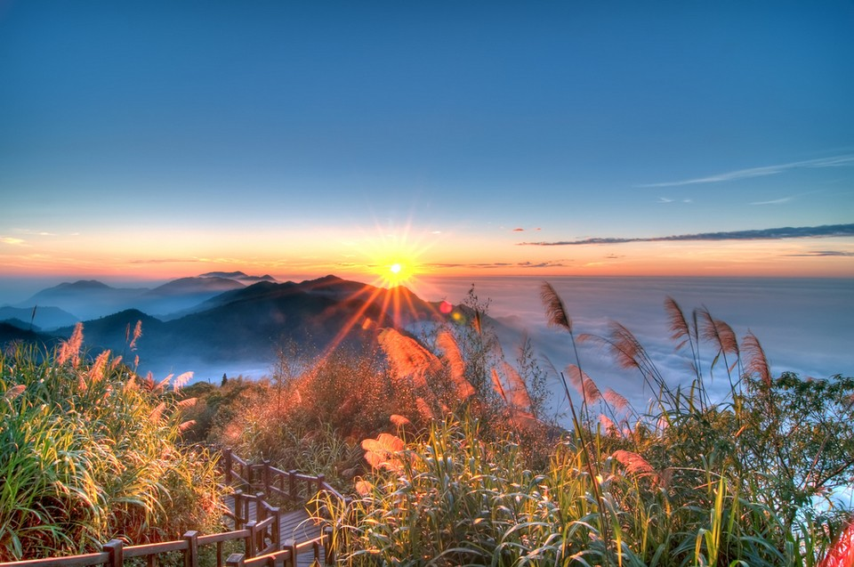 sunset-alishan-plateau-taiwan15 Alishan travel guide what to do in alishan alishan travel blog