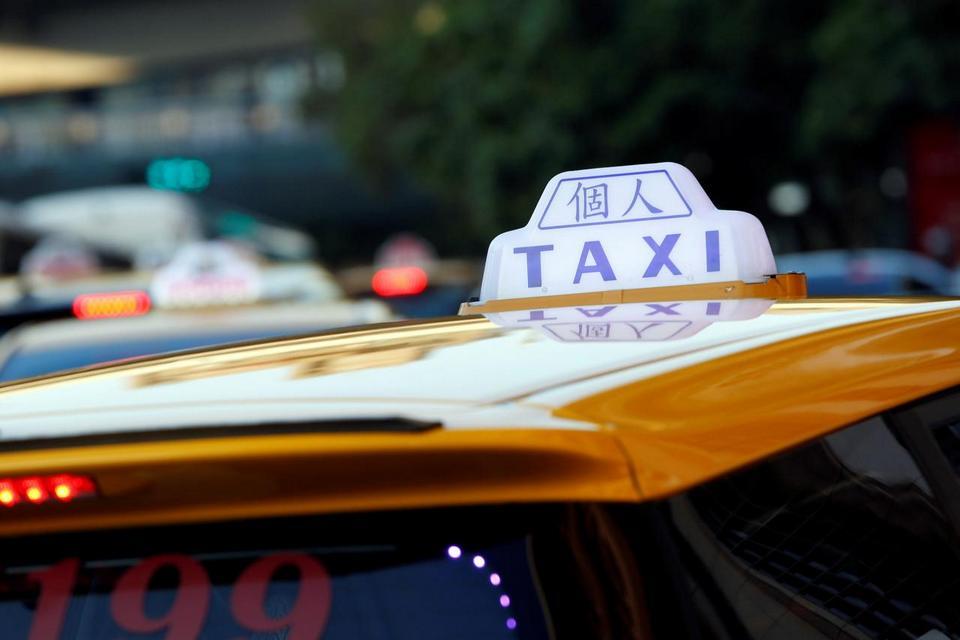 taxi-to-alishan-plateau-taiwan6