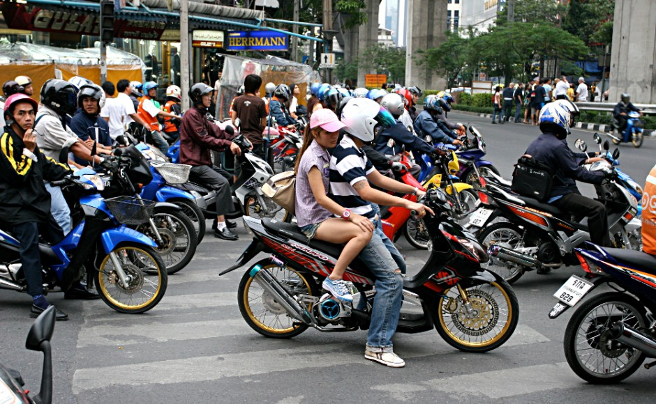 Motorbikes_in_Hua Hin