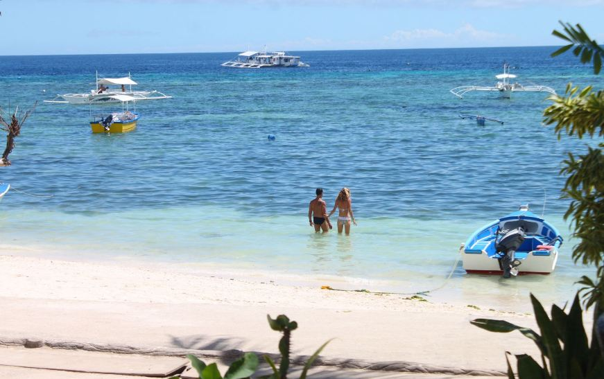 Alona Beach bohol travel blog bohol travel guide bohol activities things to do in bohol island