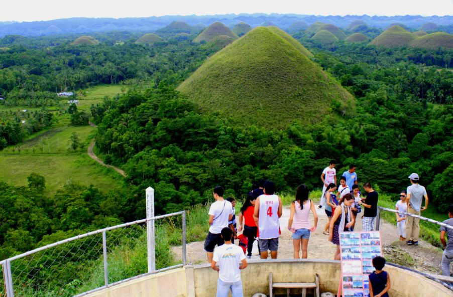 Chocolate Hills3 bohol travel blog bohol travel guide bohol activities things to do in bohol island