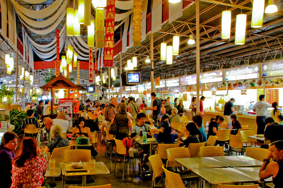 Kalare Food Court-chiangmai-thailand chiang mai night bazaar restaurants what to eat at chiang mai night bazaar