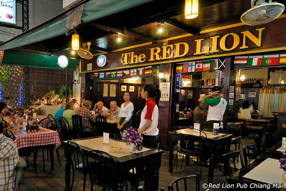 Red Lion-chiangmai-thailand chiang mai night bazaar restaurants what to eat at chiang mai night bazaar